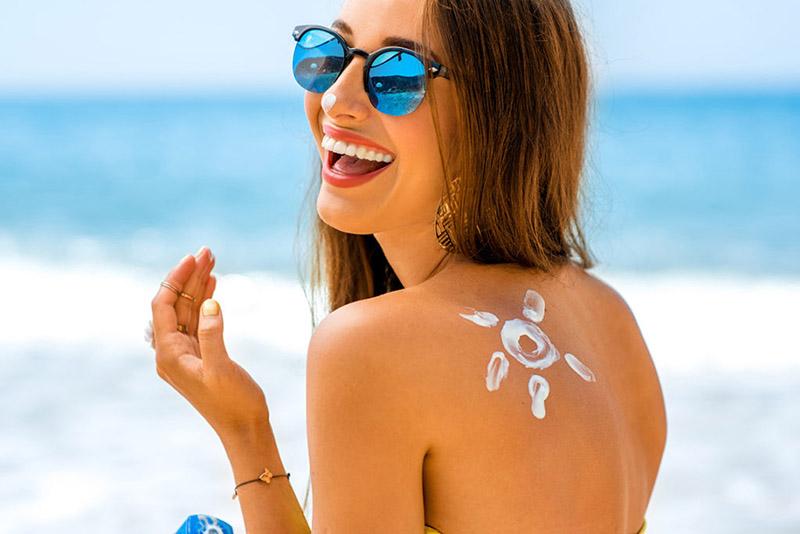 sử dụng kem chống nắng bảo vệ da